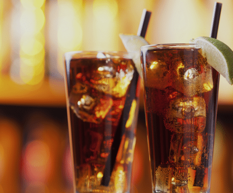 imagen Cóctel Long Island Iced Tea: Historia, preparación e ingredientes