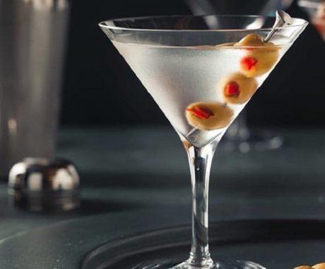 imagen Dry Martini: Cómo realizar paso a paso el cóctel Dry Martini